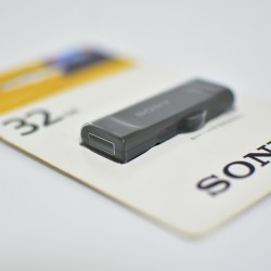 Sony USM32GRB 32GB Black