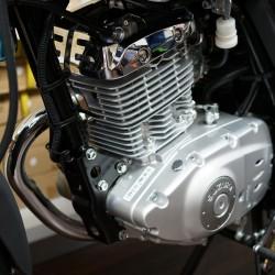Suzuki En125-2a Red 124cc Motorbike
